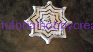 Tutorial per realizzare un biscornu a forma di stella in tela aida (6)