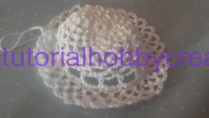 Tutorial per realizzare un cappellino all'uncinetto inamidato (12)