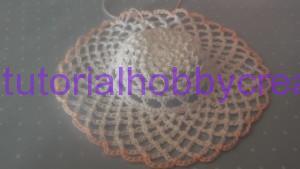 Tutorial per realizzare un cappellino all'uncinetto inamidato (15)
