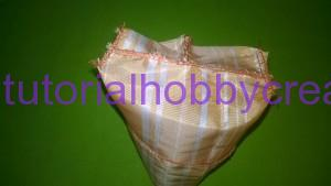 Tutorial per realizzare un sacchettino in tessuto portaconfetti 10