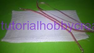 Tutorial per realizzare una borsetta portaconfetti in tela aida (2)