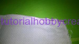 Tutorial per realizzare una borsetta portaconfetti in tela aida (3)