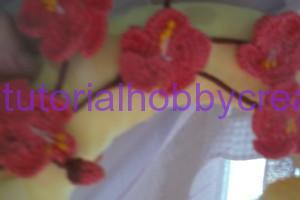 Tutorial per realizzare una ghirlanda di Pasqua con campane farfalle e fiori ll'uncinetto (8)
