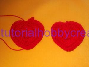 tutorial per realizzare un cuore all'uncinetto portachiavi (5)