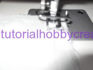 tutorial per realizzare un cuscino portafedi a filet modello ostrica con perle (7)