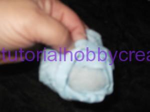 tutorial per realizzare un fiocco nascita mongolfiera a filet (15)