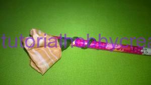tutorial per realizzare una piccola rosellina di stoffa (10)