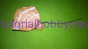 tutorial per realizzare una piccola rosellina di stoffa (8)