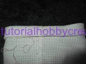 tutorial sacchettino tela aida fondo piatto (12)
