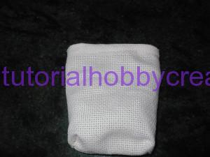 tutorial sacchettino tela aida fondo piatto (13)