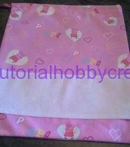 Tutorial per realizzare un sacchetto asilo con inserto in tela aida da ricamare a punto croce (18)