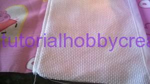 Tutorial per realizzare un sacchetto asilo con inserto in tela aida da ricamare a punto croce (8)